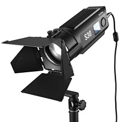 Godox S30 LED focusing...